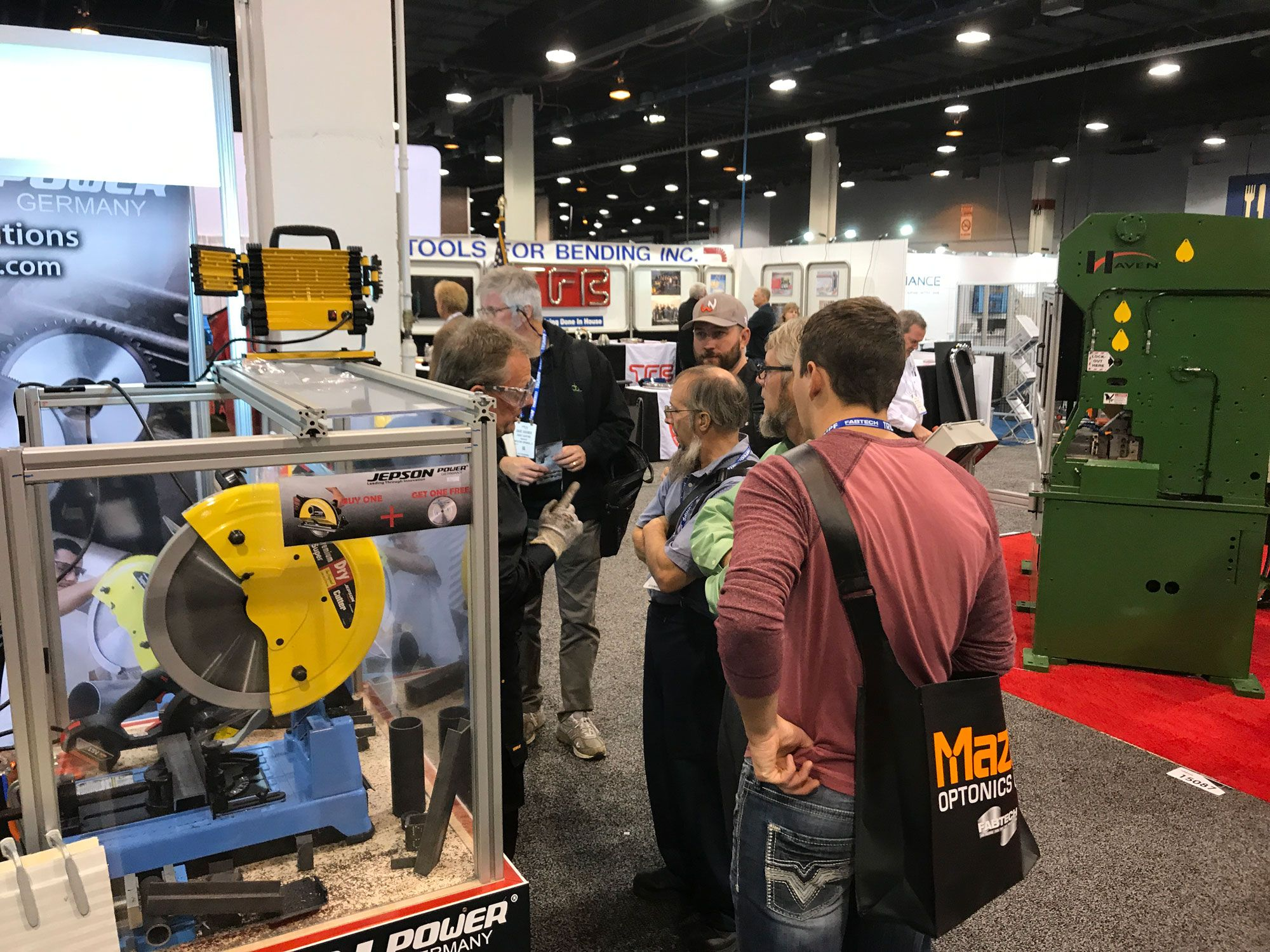 Face-to-Face consulting on our booth at Fabtech 2017, Chicago
